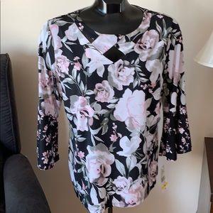 Tanjay size m 3/4 bell sleeve floral